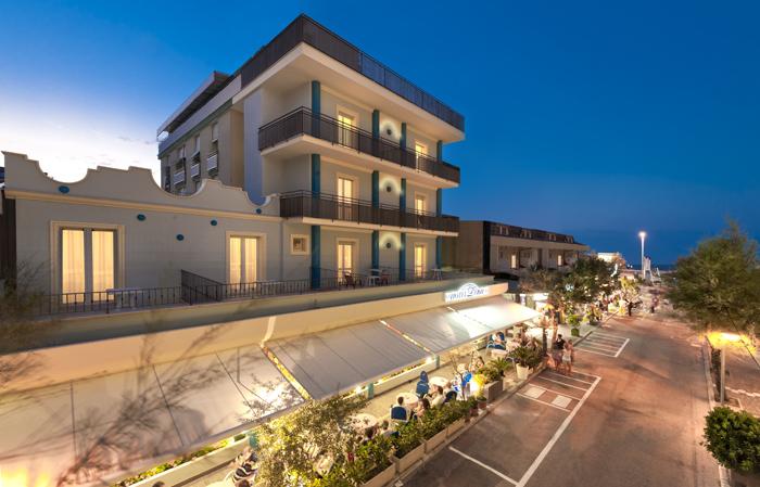Hotel Misano Adriatico Alberghi 3 stelle sul mare | Hotel Lina